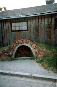 Splitterschutzbunker for one or two men at Auschwitz